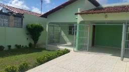 Vende ou troca por apartamento, casa bem conservada em nova parnamirim