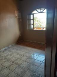Alugo apartamento 600$