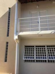 Casa de 3 quartos para locação, 130m2