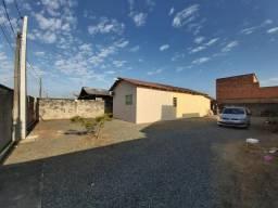 Casa Mista, localizada em Meia Praia de Navegantes, 1.2km da praia