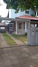 Casa para alugar com 3 dormitórios em , cod:I-024785