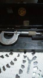 Micrômetro manual antigo