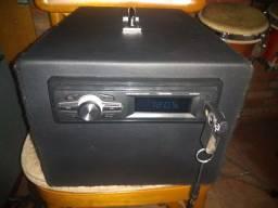 Cx portátil mais som para usar fora d carro c rádio fonte e amplificador eletronico