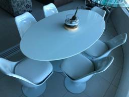 Mesa saarinen , jantar com o tampo em nanogllass  160X9 0
