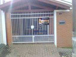 Título do anúncio: Linda Casa com 02 Dormitórios Disponível à Venda por R$ 590.000,00 no Bairro Jardim Bandei