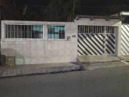 Título do anúncio: Casa 2qtos e garagem coberta