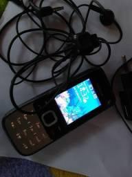 Celular Nokia antigo completo.