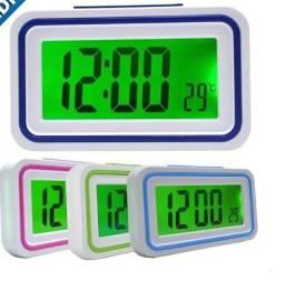 Título do anúncio: Relógio Despertador Digital Fala Hora E Temp. Cabeceira Mesa