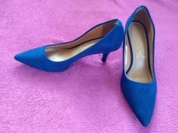Título do anúncio: Vendo sapato azul, tamanho 39 (novo)