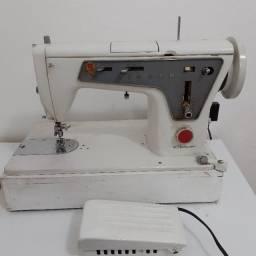 Título do anúncio: Máquina de costura Singer multiponto