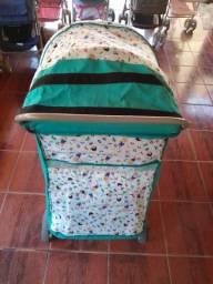 Vendo carrinho de bebê de menino