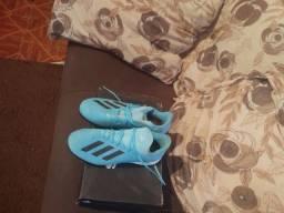 Chuteira Adidas society número 41