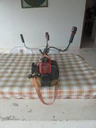 Título do anúncio: Maquina de cortar grama a gasolina