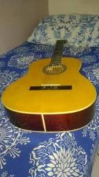 Troco violão e caixa Sony Bluetooth em pedaleira