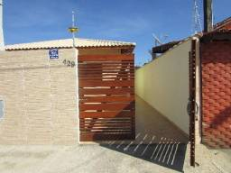 148 - A casa com 57 metro quadrados localizada no bairro Nova Itanhaém, com 2 dormitórios