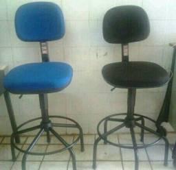 Ideal para balcão, atendimento: Cadeira Caixa