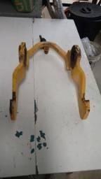 Trava do braço de levantamento retro New Holland LB90 p/n *