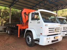 VW 17180 Worker 6x2 com Munck e Carroceria - 2012