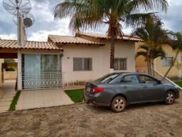 Aluga-se casa de 2 quartos em condomínio fechado em Caldas Novas-GO