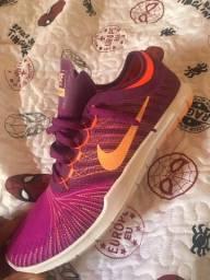Tênis Nike training FEM novo