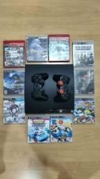 PS3 com 2 controles e 10 jogos