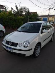 VW Polo Sedan 1.6 completo otimo estado - 2006
