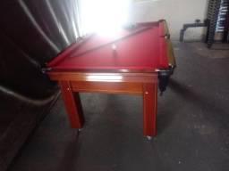 Mesa Tentação de 4 Pés Cor Imbuia Tecido Vermelho Mod. AKGK1495