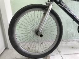 Bike GTS m1 de alumínio aro 26 com 72 raios