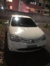 Etios Sedan 1.5 2015 - 2015