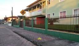 Aluga-se Apartamento com 03 quartos no Itinga