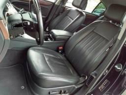 Hyundai Genesis - 2013