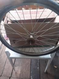 Vendo uma roda traseira