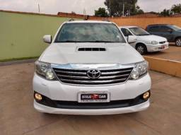 Toyota Hilux Sw4 SRV 3.0 D-4D AUTOMATICA 7 LUGARES 4P