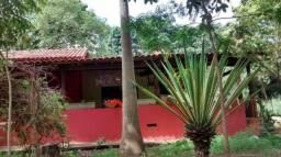 Linda Chácara á 10 km de Rondonópolis super aconchegante.