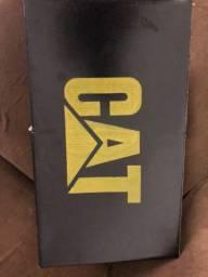 Vendo sandália CATERPILAR nova sem uso, numeração 39/40 Zap *