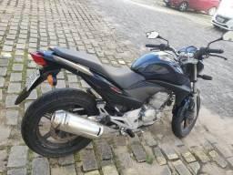 Vendo Moto CB 300R 2011/2012 - R$8.000 - 2012