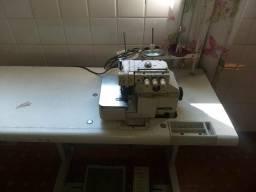 Máquina de costura overloque
