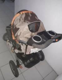 Carrinho de bebê Jeep liberty 3 rodas para até 25kg