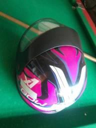 Vendo capacete semi novo quase não usado