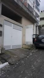 Alugo garagem coberta e independente