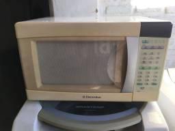 Título do anúncio: Microondas Electrolux 30LT
