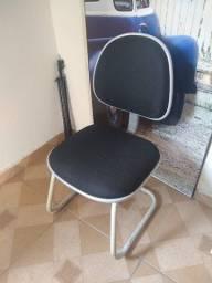 Título do anúncio: Cadeira escritório (Conservada!)