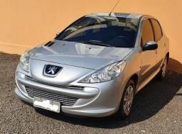 Peugeot 207 XR 1.4 flex 2012