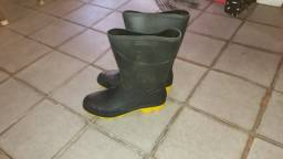 equipamento proteçao individual bota  cano longo, emborrachada  tam. 40