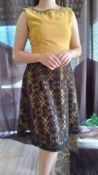 Vestido amarelo com renda preta