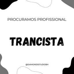 Título do anúncio: Procuramos Trancista