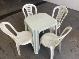 Título do anúncio: Promoção novo jogo de mesa e cadeira nova plástica pra bares no atacado