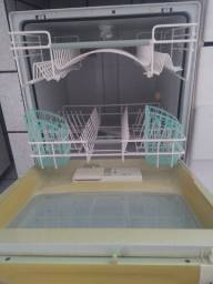 Máquina de Lavar Louça Brastemp 8 funções/serviços