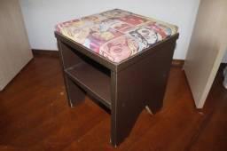 Título do anúncio: Banco / Banqueta / Banquinho / em Madeira Marrom 45 cm x 35 cm x 35 cm