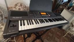 Teclado Arranjador Roland EXR-5s